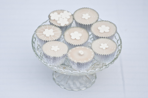 Tempting Table bright white cupcakes