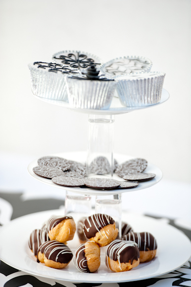 Tempting Tables cake stand