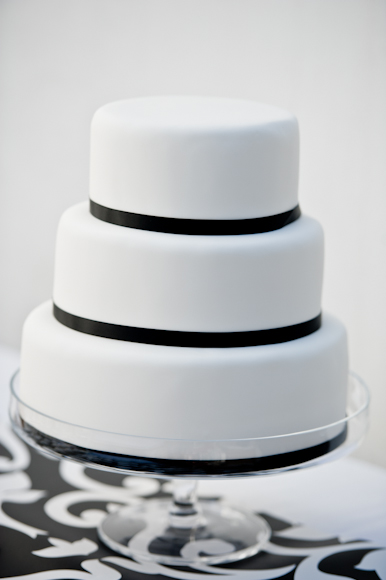Tempting Table black tie wedding cake